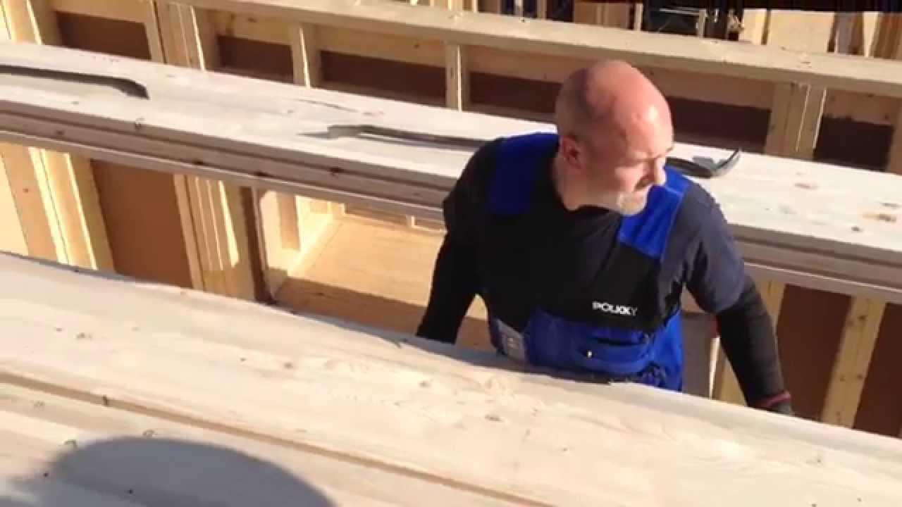 Colocacion de forjados con sistema de vigas hbe de madera - Forjados de madera laminada ...