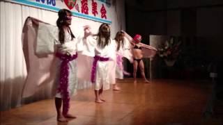 昨年の職場忘年会。吉田兄弟の三味線テイストでストリップダンスを踊っ...