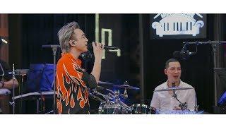 Xin Đừng Lặng Im - Soobin Hoàng Sơn | Music Home (LIVE)