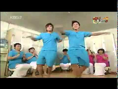 261109 Hyun Joong & Kyu Jong danced love like this @ Happy Togetheravi