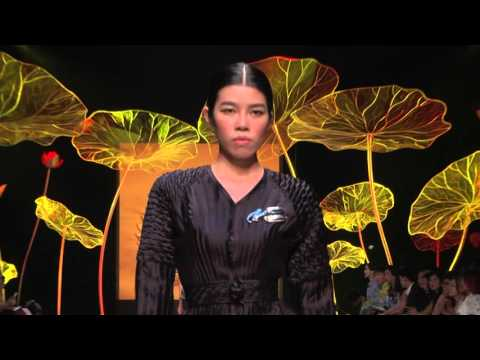 NGUYEN CONG TRI   VIETNAM INTERNATIONAL FASHION WEEK SPRING SUMMER 2016