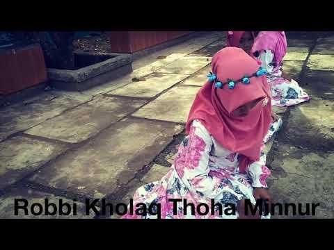 MQ Al-Islami Lagu Sholawat Robbi Kholaq Thoha Minnur Video Klip Santri