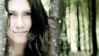 Elisa - One step away (Testo e traduzione in Italiano)
