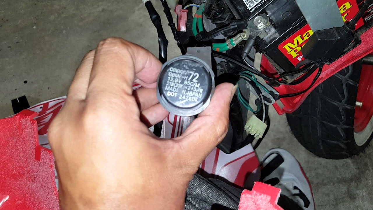 diy honda ruckus led turn signal flasher relay [ 1280 x 720 Pixel ]