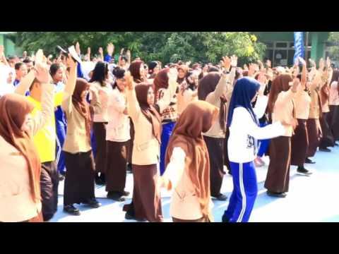 SMA Negeri 16 Makassar - Road Show Zumba School with Yamaha