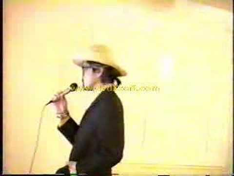 Elvis Costello version of Ill Never Fall in Love Again