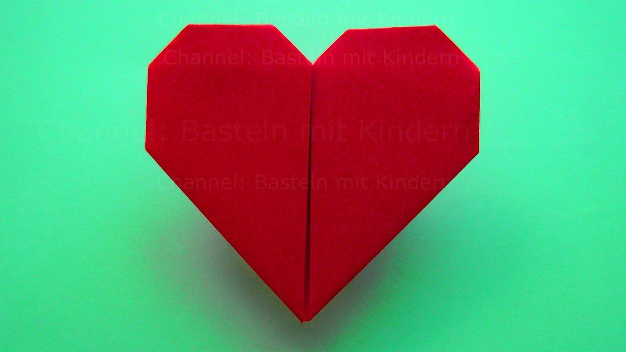 einfaches origami herz falten basteln mit kindern b. Black Bedroom Furniture Sets. Home Design Ideas