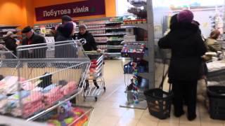 Полки донецких магазинов