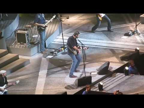 Blake Shelton - Footloose (Live)