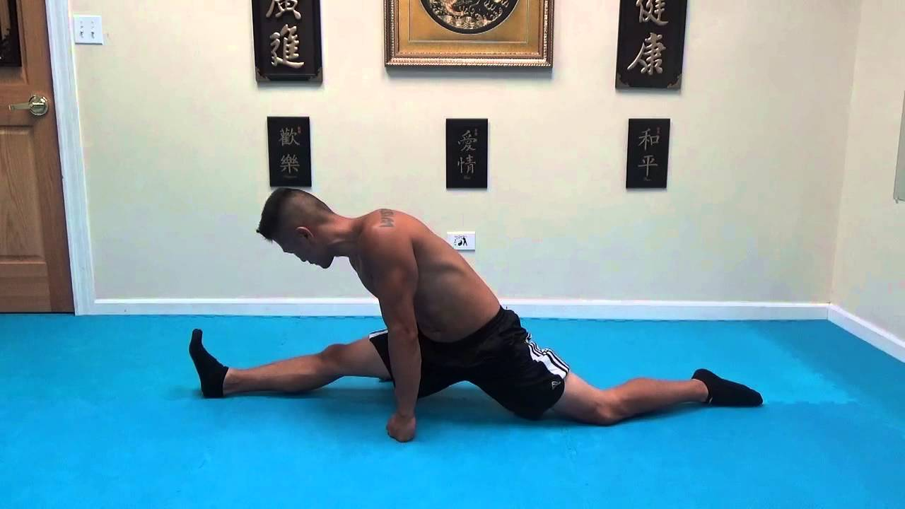 inflexible people. how to do the front split right way : for inflexible people - youtube g