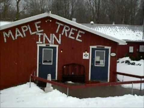 Lunch At The Maple Tree Inn Pancake House Youtube