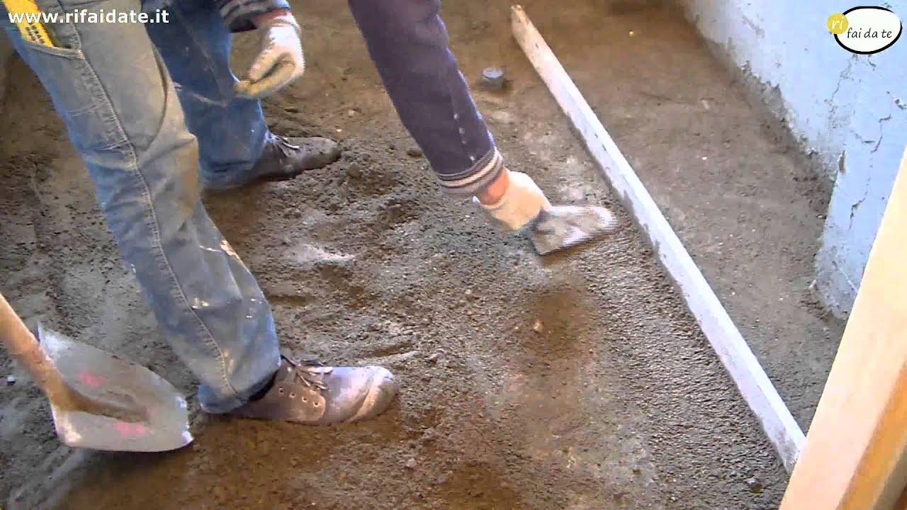 Pavimento in cemento posa livellamento parte 2 youtube for Pavimento in autobloccanti