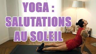 Postures de yoga Salutation au soleil avec un prof