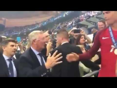 Sir Alex Ferguson saluda a Cristiano Ronaldo y a Nani (Euro 2016)