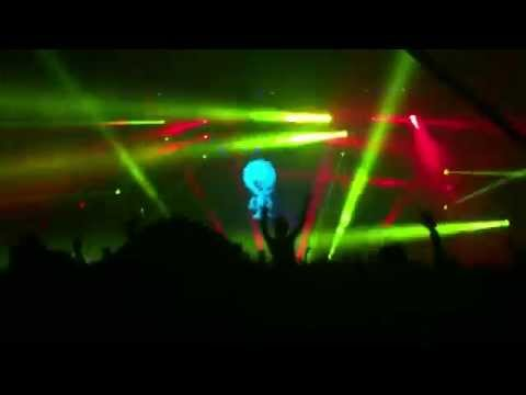 Skrillex at Electric Holiday 2015 in Puerto Rico