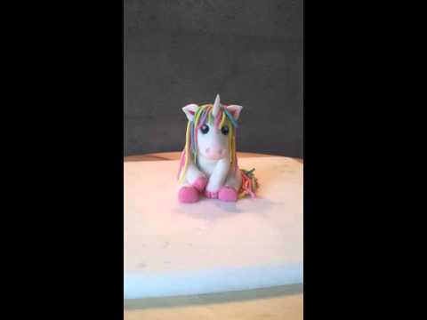 einhorn aus fondant pferd aus fondant unicorn youtube. Black Bedroom Furniture Sets. Home Design Ideas