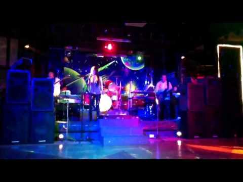 Doreen   Highway to Hell. Filipina Singer & Radio Band@Hanoi Hotel