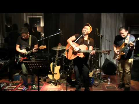 Sandhy Sondoro - Waiting in Vain @ Mostly Jazz 04/05/12 [HD]
