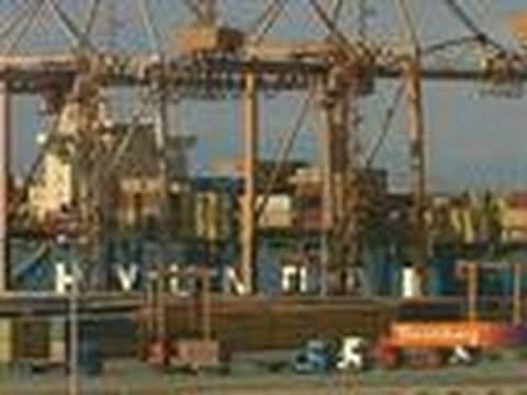Greek Shipping Return to Growth While Ports Shed Jobs: Video