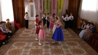 Оркестр в детском саду(Дети на утреннике 8 Марта играют в оркестре., 2015-07-13T18:27:08.000Z)