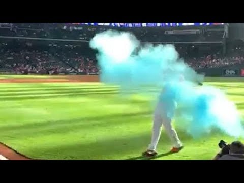 Local Houston & Texas News - Astros Josh Reddick helps couple with gender reveal (Video)