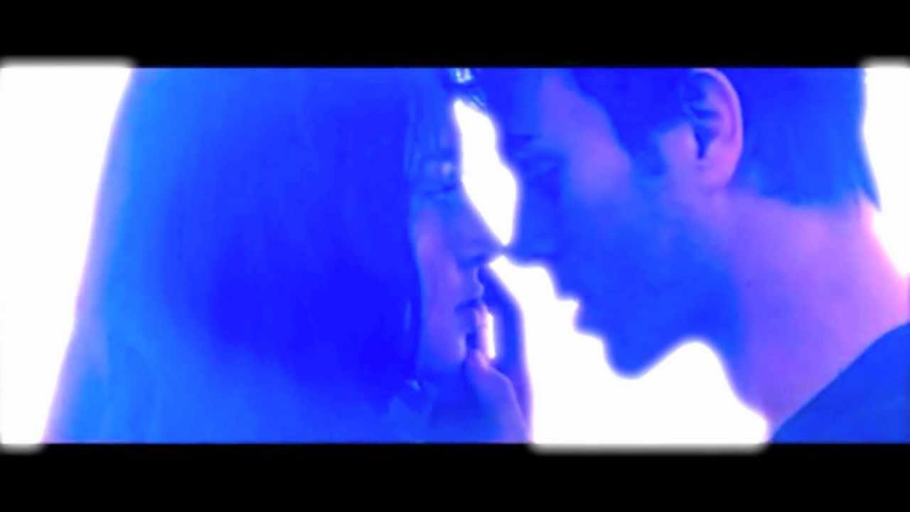 Download Enrique Iglesias ft Sean Garrett Away (Moto Blanco Mix) Video Mix