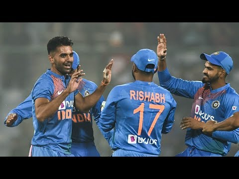 Cricbuzz Comm Box: India v Bangladesh, 3rd T20I, 2nd Inn, Over No.10