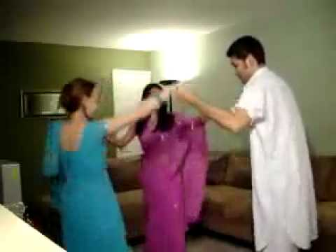 Pathan Girl Dancing in Home .flv