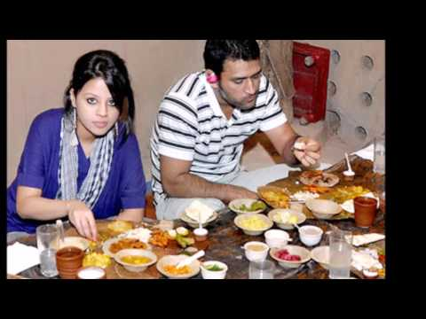 Mahender Singh Dhoni personal with his family rare video