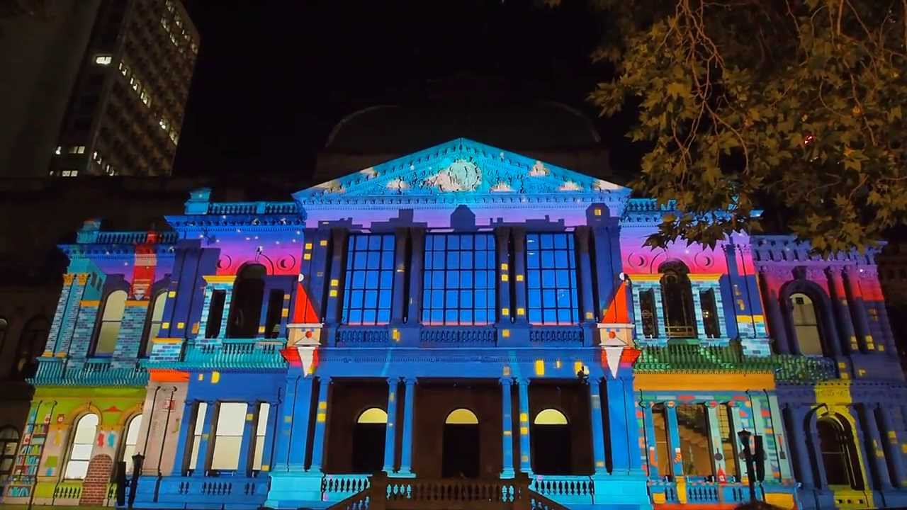 kokoDONAT : Sydney Christmas Light Projection Show 2013 - YouTube