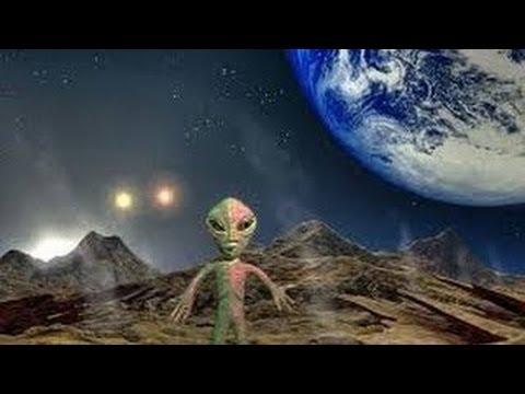 Как известно — земле как и солнечной системе не менее 4,6 млрд лет, исходя из данных о солнце, жизни на земле около 3,5 млрд лет.
