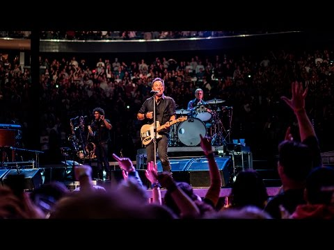 Bruce Springsteen  New York Madison Square Garden 2712016 Hungry heart + Out in the street