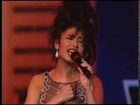 Selena performing No Me Queda Mas at the 14th Annual Tejano Music Awards [Live]