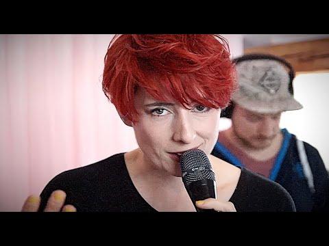 KulturKurier: Lisa Spielmann spielt eigene Songs