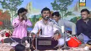 KIRTIDAN AT HIS BEST RAMAPIR NO HELO (BEST TILL NOW) - 11.flv