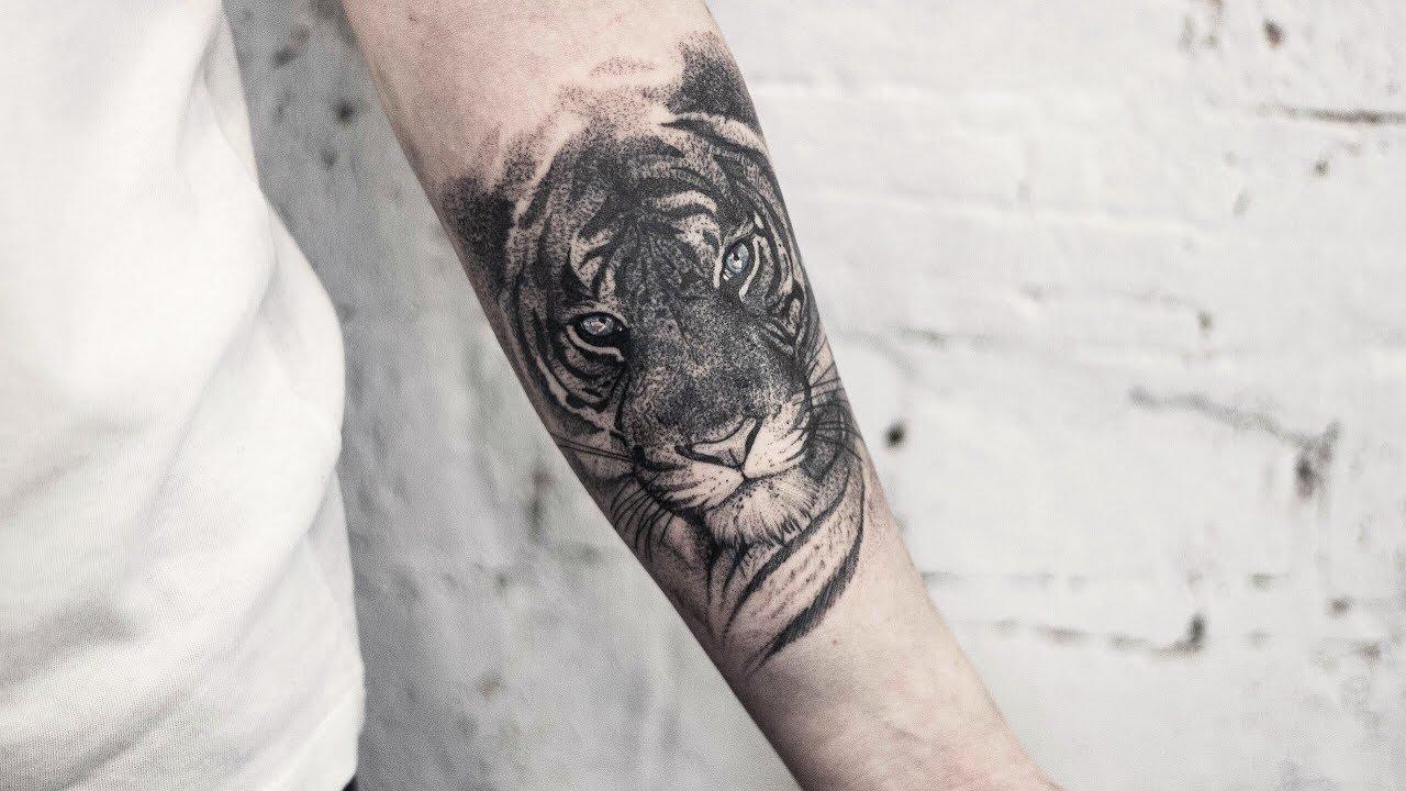 тигр с голубыми глазами от тату мастера николая красивые татуировки