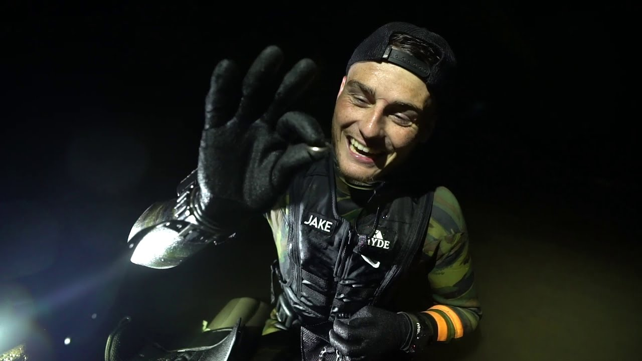 Found Apple Watch And Gold Wedding Ring Underwater While Metal Detecting In Hawaii Scuba Diving