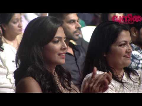 ജൂനിയർ അനു മാലിക്കിനെ കണ്ടു നോക്കൂ... മയങ്ങിപ്പോകും! || Vanitha Film Awards 2017 || Part 03