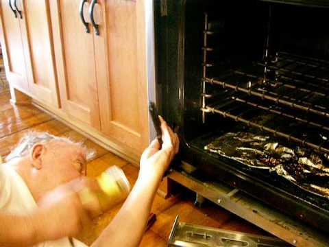 Replacing Hinge On Viking Oven Door Youtube