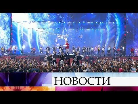 Гала-концерт у стен Кремля в честь празднования Дня России покажет Первый канал.