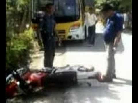 Ceres Bus bumps single motorcycle at Bogo City