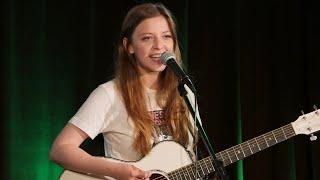 Jade Bird im Konzert in der radioeins Lounge