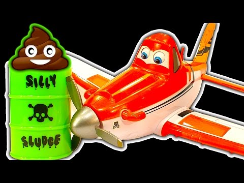 Disney Planes Dark Side Knock Off Toys Ep 2 Dusty Toy Cars Train Wreck Poop Slime & Blender