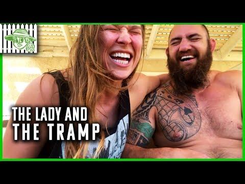 Super Martinez - Ronda Rousey Se Orina Encima en la Grabación de un Video con su Novio