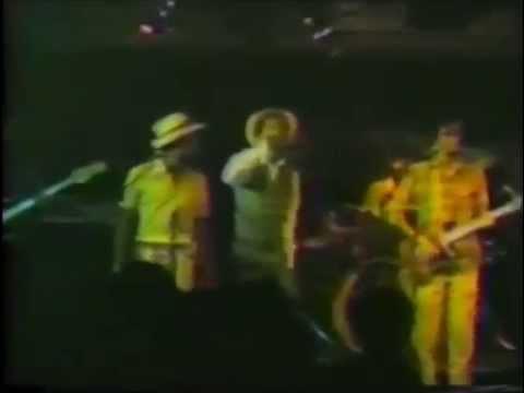 GREGORY ISAACS  -  MR COP ( Rare Live ! )