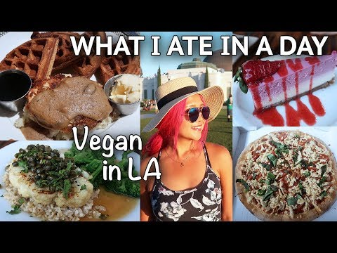 WHAT I ATE IN A DAY (VEGAN CHICKEN & WAFFLES?!) // Vegan Around the World #13
