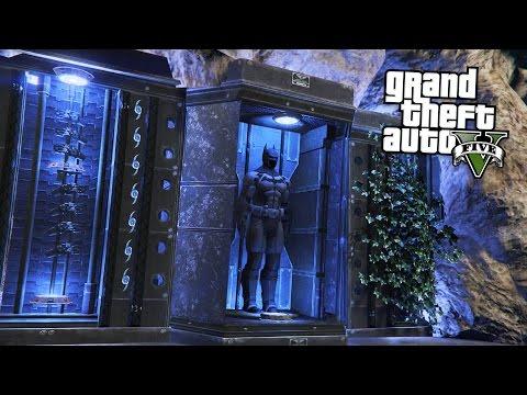 BATMAN'S BATCAVE!! (GTA 5 Mods)