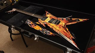 DEAN GUITARS® Guitarra Eléctrica DIMEBAG Razorback Explosion con Case video