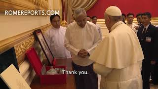 Pope Francis suprises with his gift to President of Myanmar