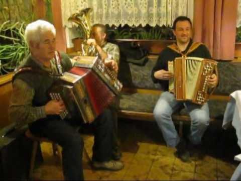 Musikantenstammtisch Gasthof Tiefenbrunn.